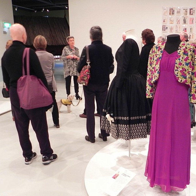 Doris de Pont, curator of the Homesewn exhibition, talking to the Art Lover Tourists.